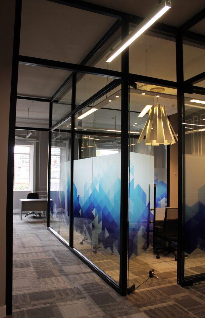 Division de Oficina en Vidrio y Aluminio