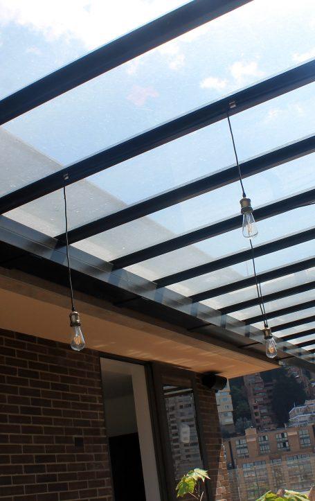 Pergola en Vidrio y Aluminio